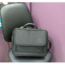 Вместительная сумка для ноутбука черная с уплотненными углами 15 л (DM0041970BL)
